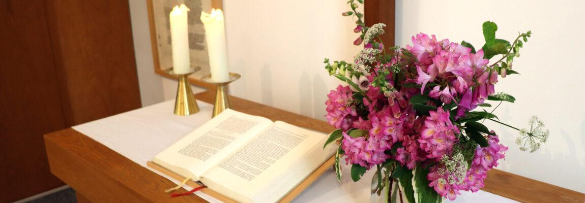 Zum livestream Gottesdienst in Darmstadt – jeden Sonntag um 10:00 Uhr